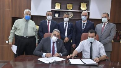 Photo of بالصور : رئيس جامعة الوادى الجديد يستقبل وفد من بنك مصر باسيوط والوادى الجديد