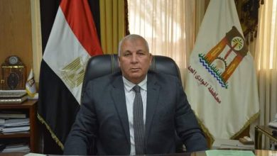 Photo of محافظ الوادي الجديد يجري حركة تنقلات رؤساء قري مركزي الخارجة وبلاط