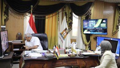 Photo of المحافظ فى قرار محترم: تحمل 50% من مديونية الشباب للكهرباء فى طريق مطار الداخلة