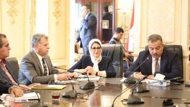 """Photo of """"صحة البرلمان"""" تطالب بتشكيل لجان لبحث مراجعة أجور العاملين بالقطاع الصحي"""