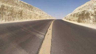 Photo of بالصور… نائب محافظ الوادي الجديد تتفقد محور الداخلة – منفلوط