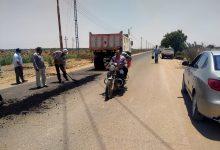 Photo of بالصور والفيديو بدء ترميم الحفر فى طريق موط – الهنداو